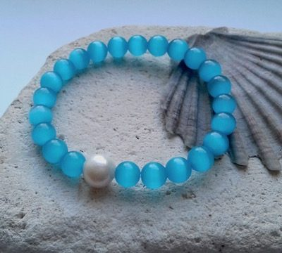 light blue cats eye elastic bracelet
