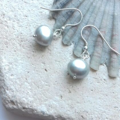 grey pearl dangle earrings
