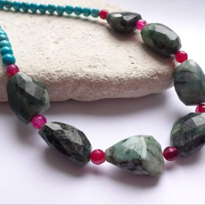 Emerald, turquoise and pink agate necklace
